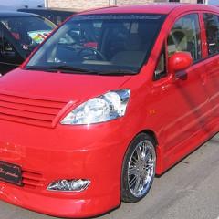 2life-car080205-02